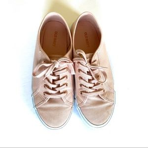 🌸 Old Navy Pink Sneakers Size 8